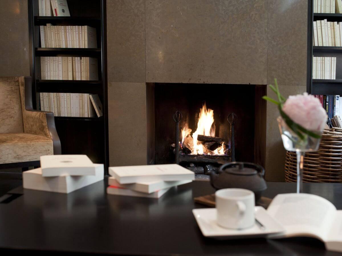 Hotel mit Bibliothek in Paris