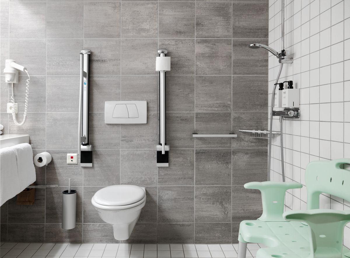 Rollstuhlgerechtes Badezimmer im Hotel Scandic Berlin