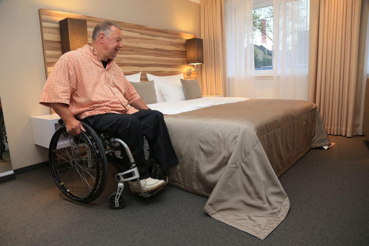 Rollstuhlgerechtes Zimmer im Hotel