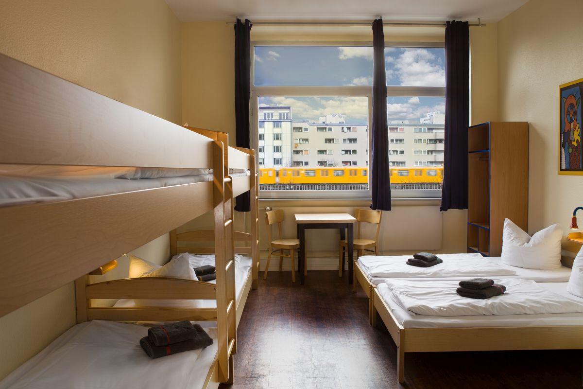 Mehrbettzimmer im Hostel Aletto Berlin