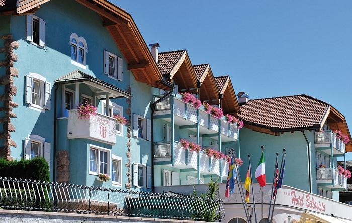 Facciata dell'Hotel Bellavista a Cavalese