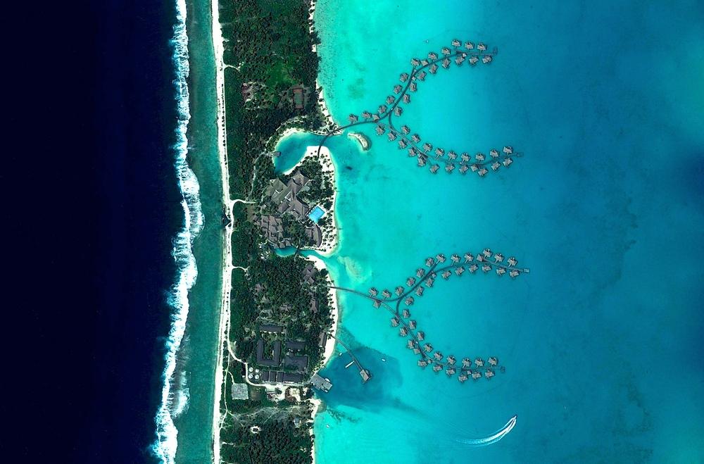 Intercontinental Bora Bora Resort Motu Pitiaau, Bora Bora, Polinesia Francese - 16.506077466°, -151.701304795°