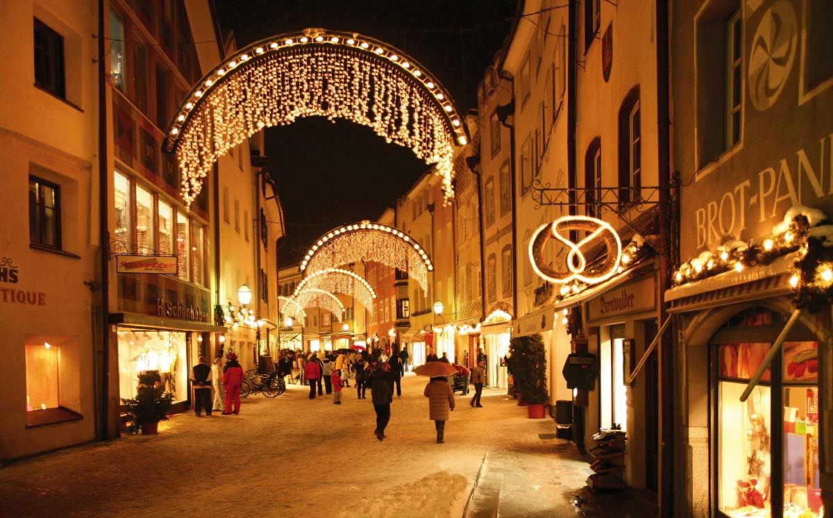 Brunico, la via Principale con i suoi palazzi storici - Fonte: Consorzio Turistico Plan de Corones/Gorfer