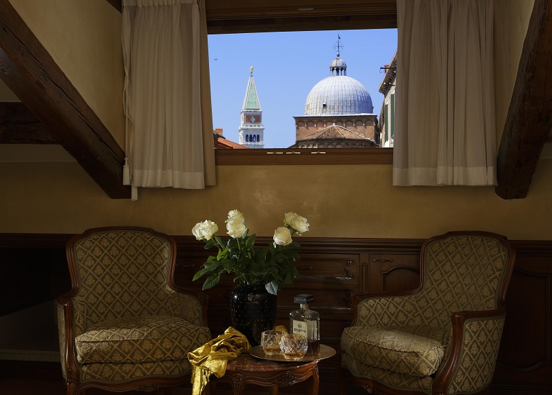 The look from Hotel Bisanzio