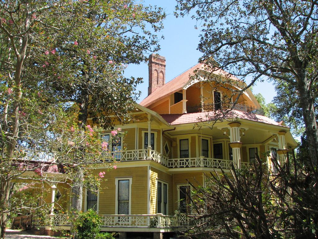 Thomasville's Idyllic houses