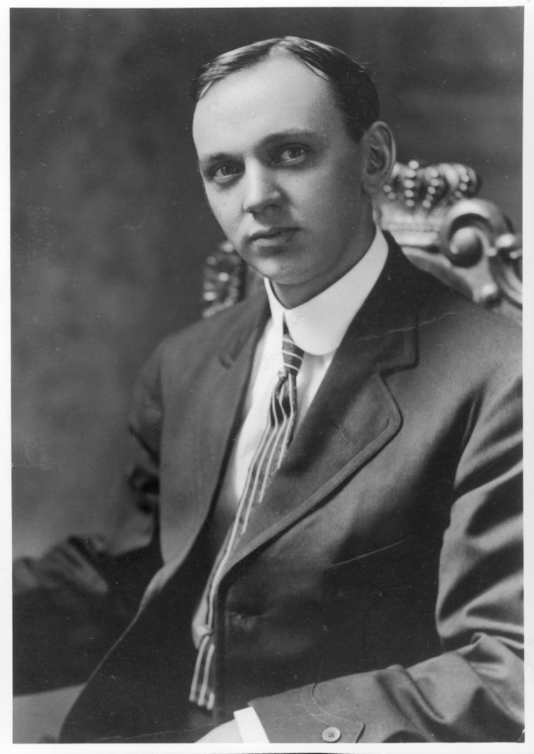 Father of Holistic medicine Edgar Cayce