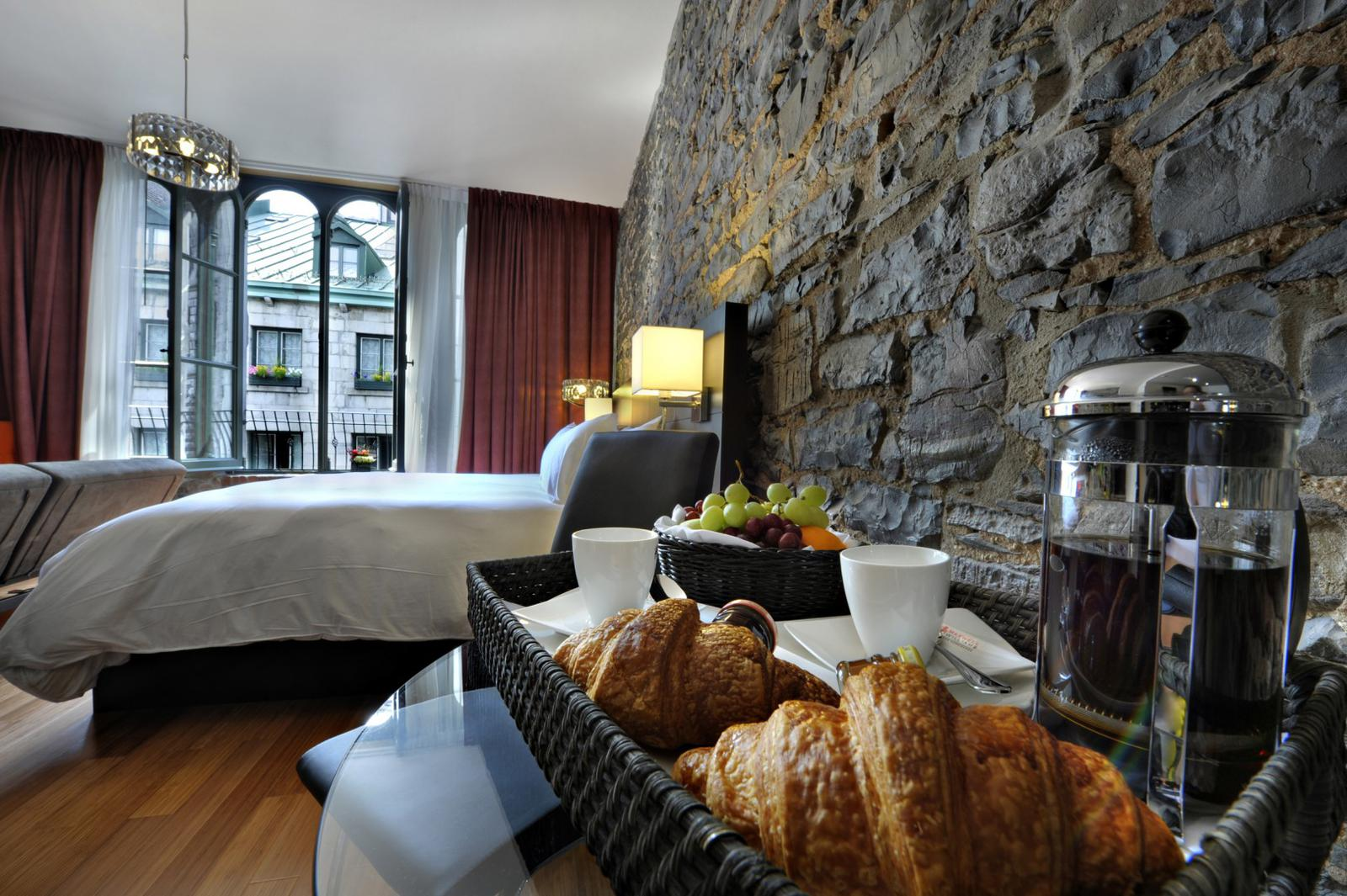 Le Petit Hotel Old Montreal QC