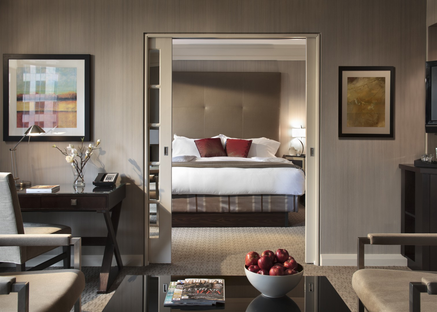 Vancouver luxury Hotels- the Metropolitan guestroom