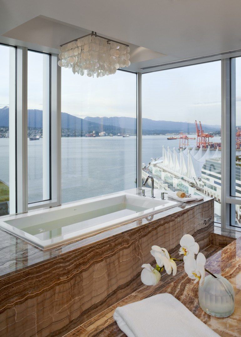 Luxury waterfront hotel Vancouver-bathroom-Fairmont-Pacific-Rim