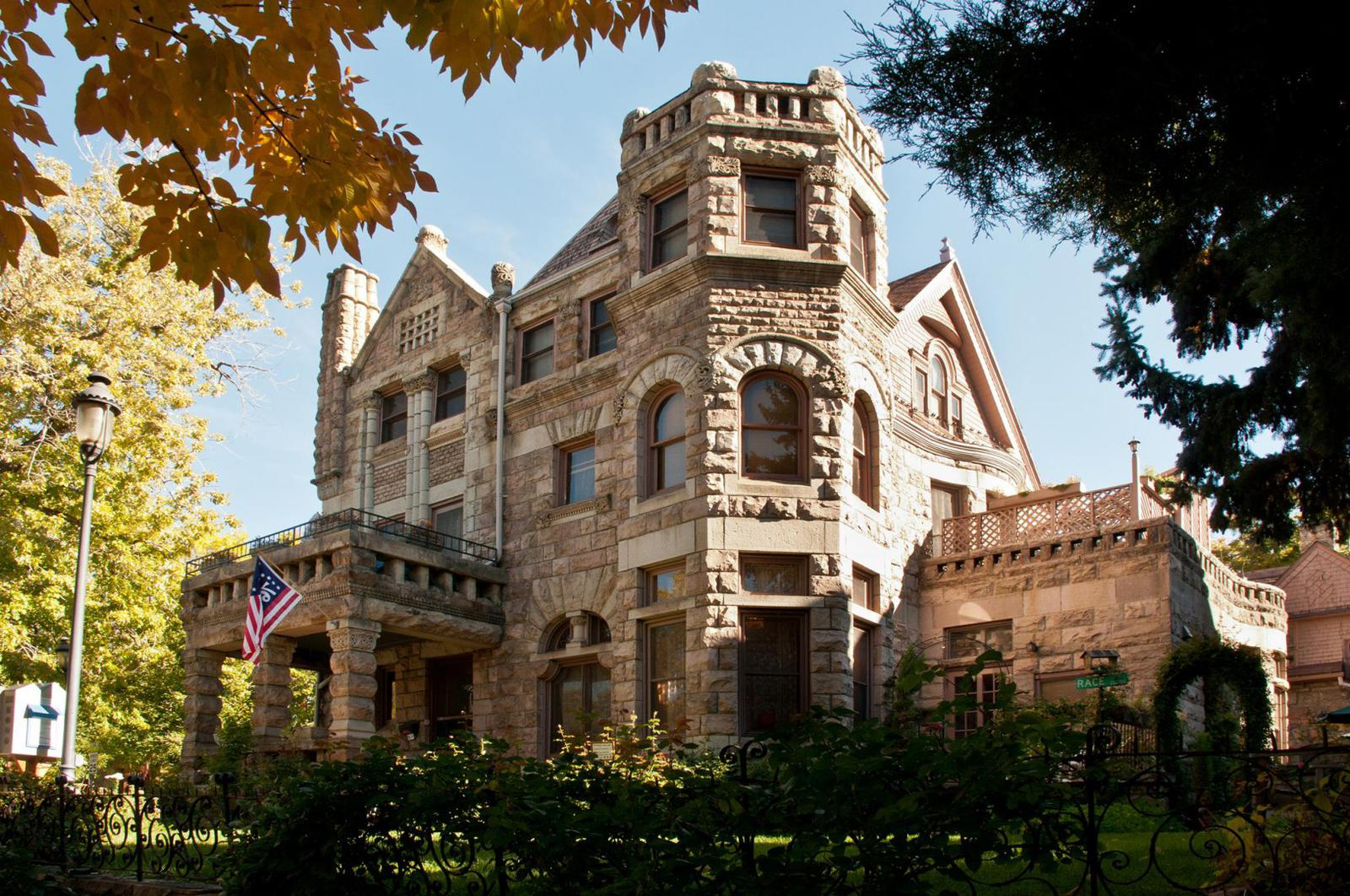 Castle Marne B&B Denver