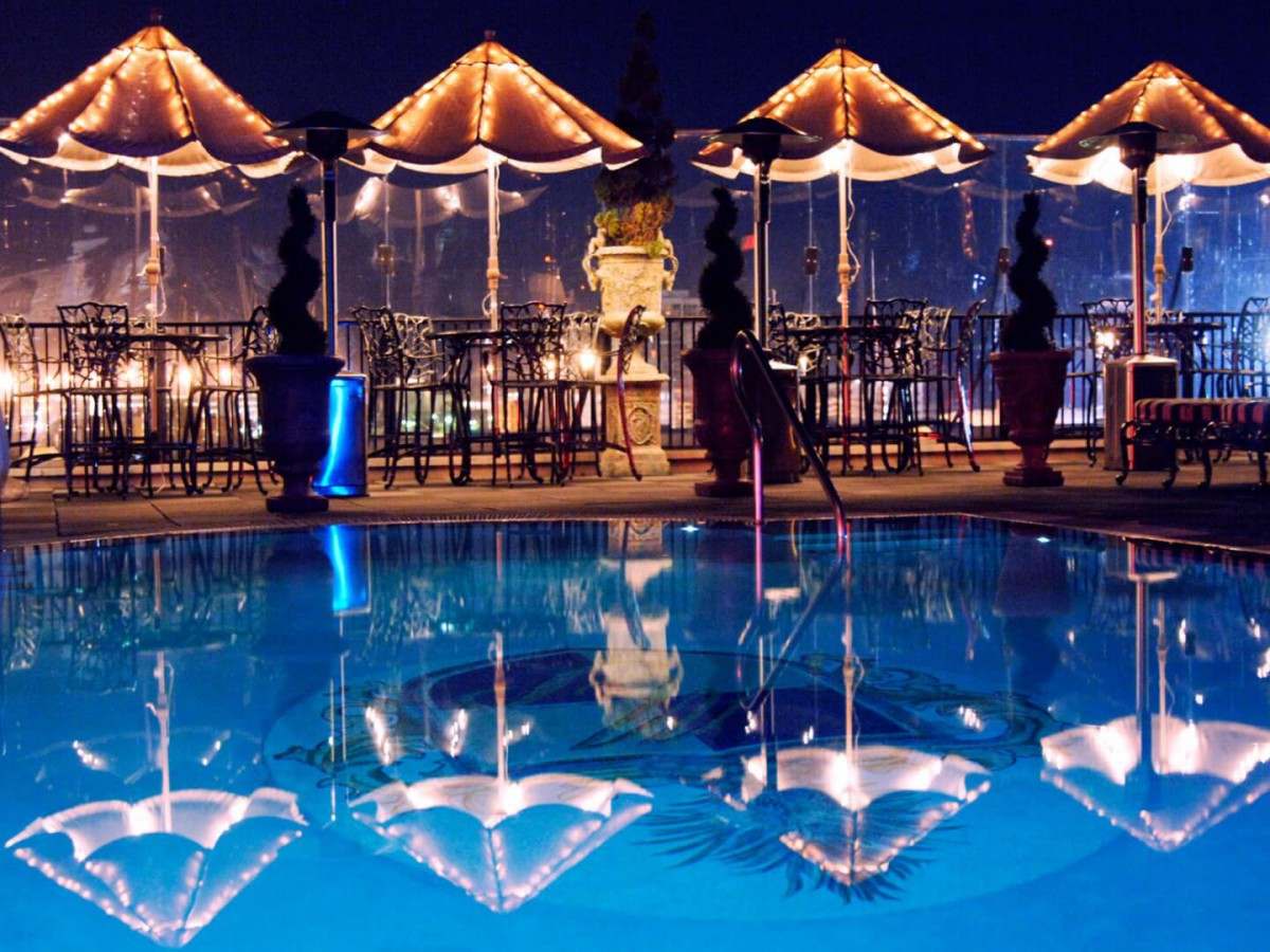 Hotels with a pool in Charleston