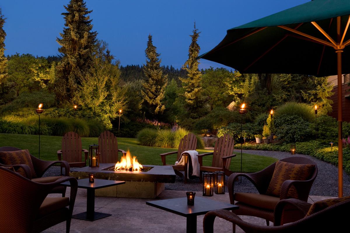 Willows Lodge Lounge Washington