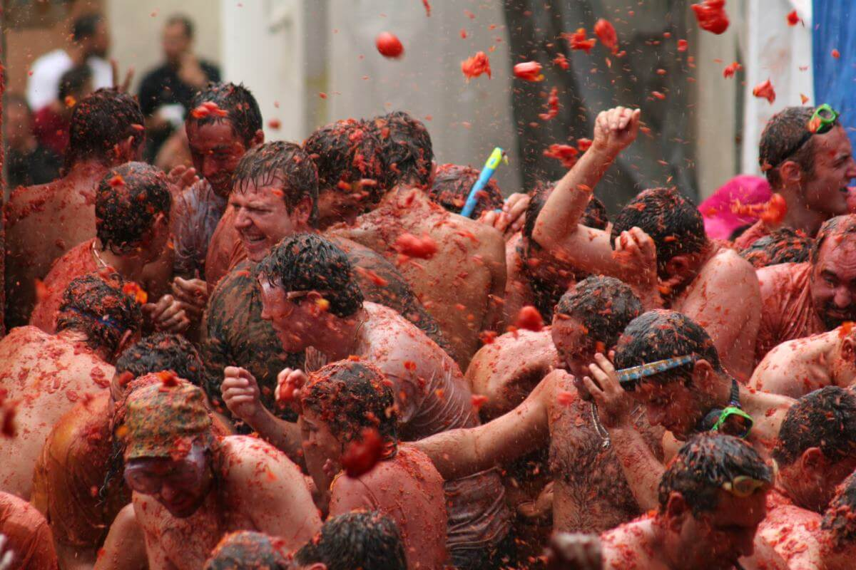 What To Bring To La Tomatina