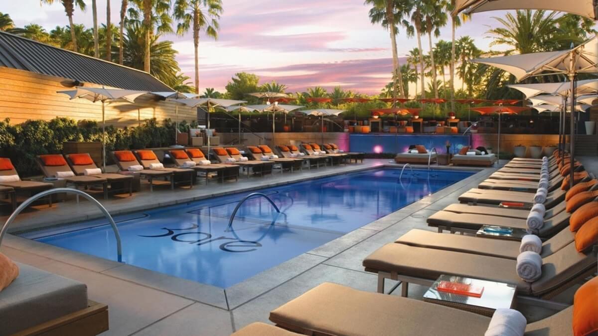 Las Vegas nudist pool