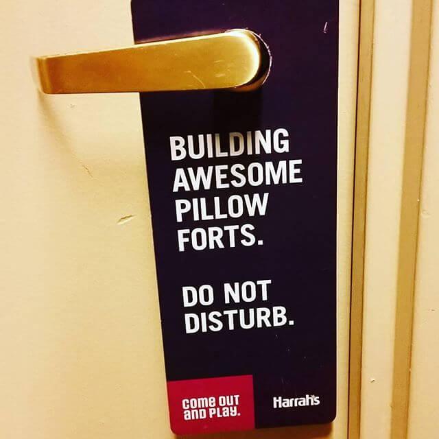 harrahs-do-not-disturb-sign