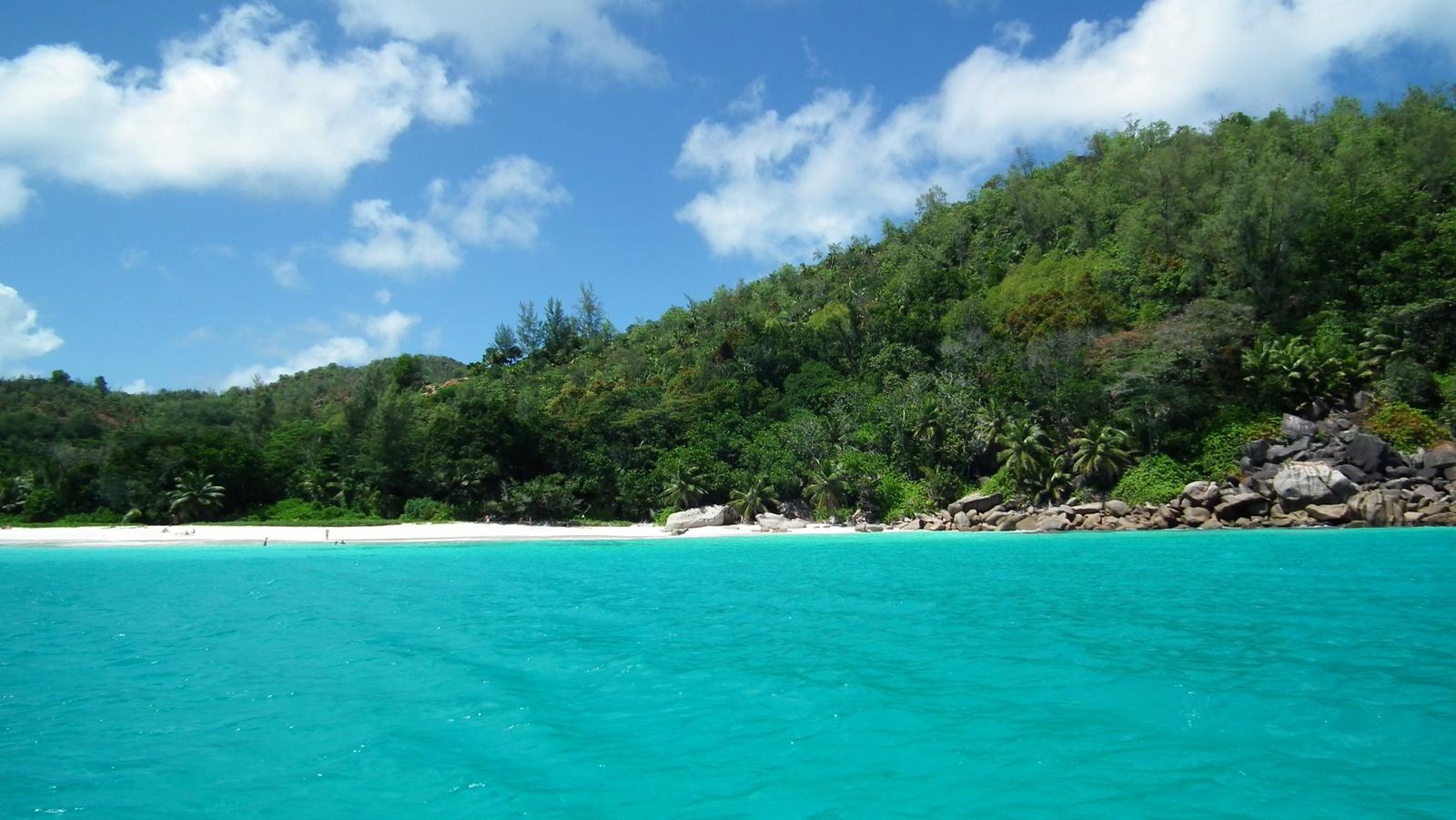 Playa Anse Lazio (Seychelles) CC Stewart Morris