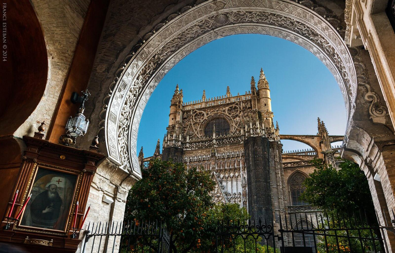 Spain_Andalusia_Sevilla_Cathedral_Flickr_Francisco Manuel Esteban