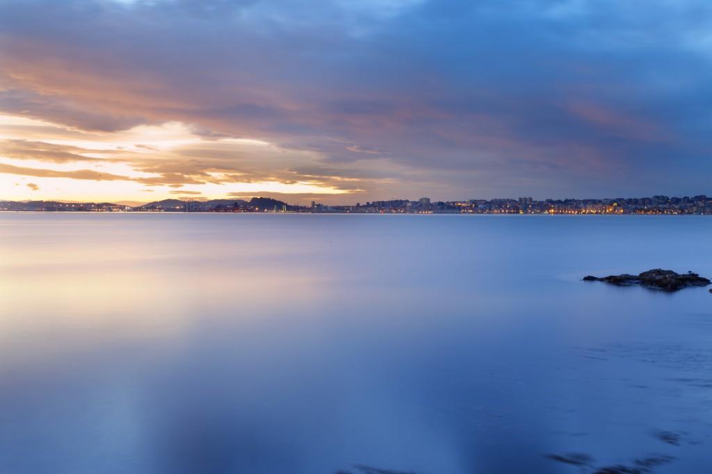 viajar en Semana Santa vista de la Bahía de Santander desde el mar
