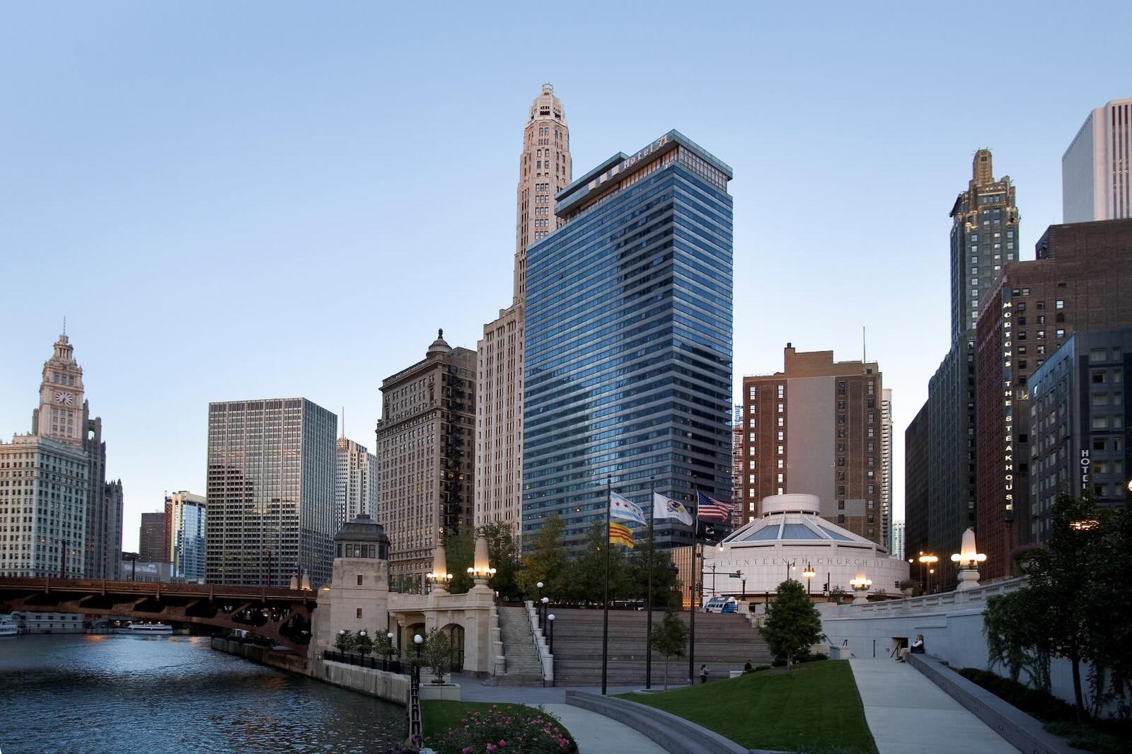 hoteles de película Whyndham Grand Chicago Riverfront