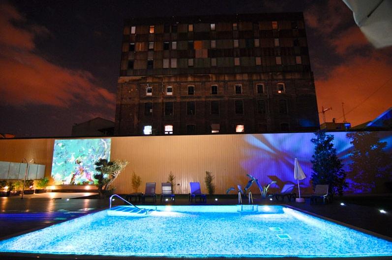 Terraza de verano en Villa Olímpica Suites Barcelona