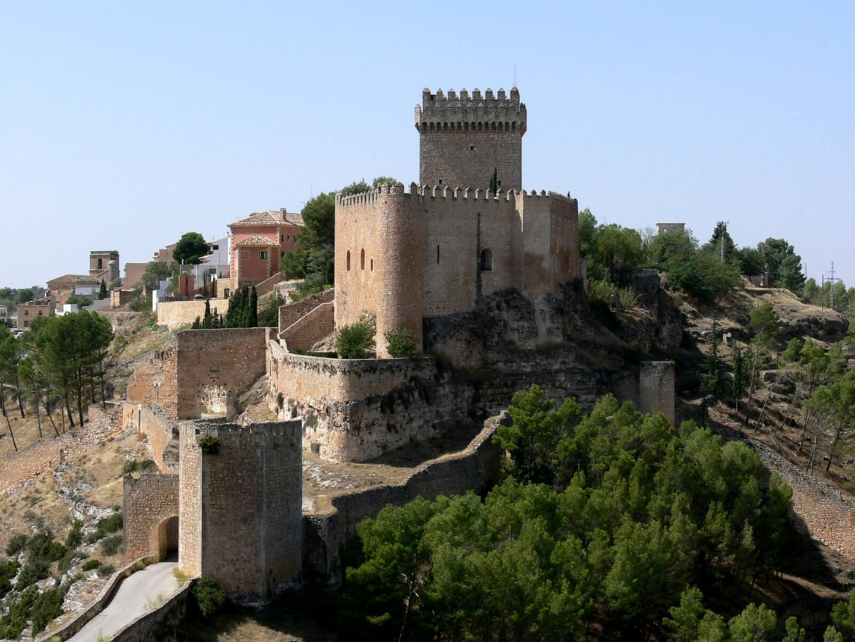 hoteles castillo Parador de Alarcon