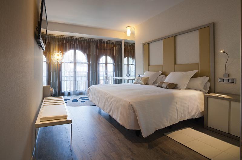 Habitación del Hotel Princesa Munia, Oviedo. Fotografía: hotelprincesamunia.com