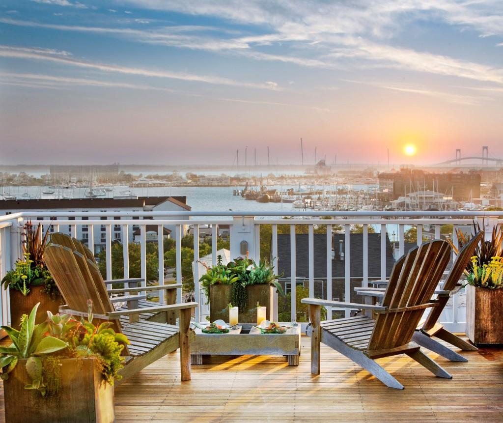 Ver un atardecer así con Rhode Island tan cerca, en hotel Vanderbilt Grace.
