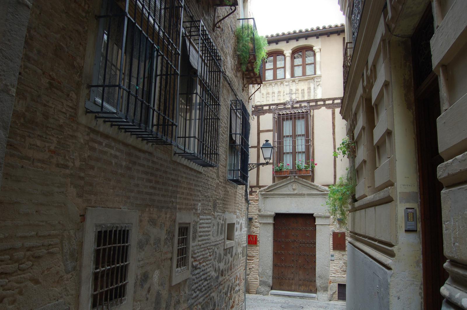 Fachada de la Casa de los Mozárabes en Toledo