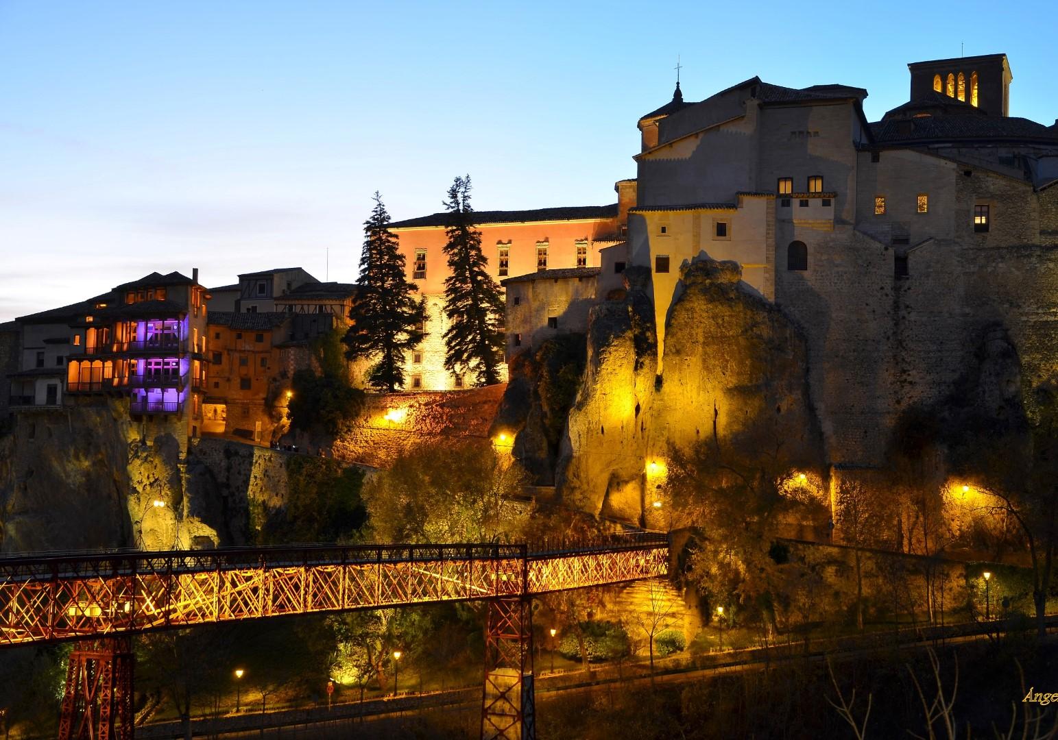 Cuenca_noche