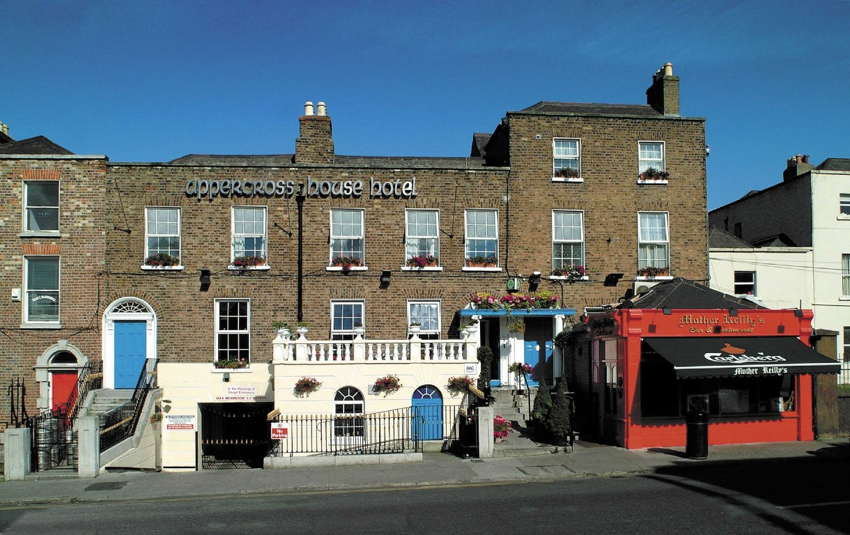 vuelta al mundo en 80 días Exterior del Uppercross House Hotel en Dublín (Irlanda)
