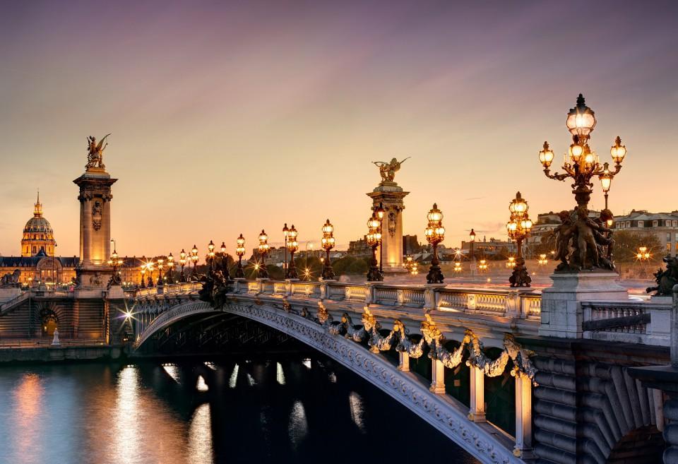 ir de rebajas Puente de Alejandro III.