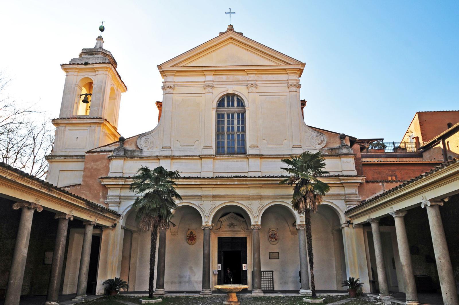 Bajo la Basílica de San Clemente se encuentra el templo pagano dedicado al dios Mitra.