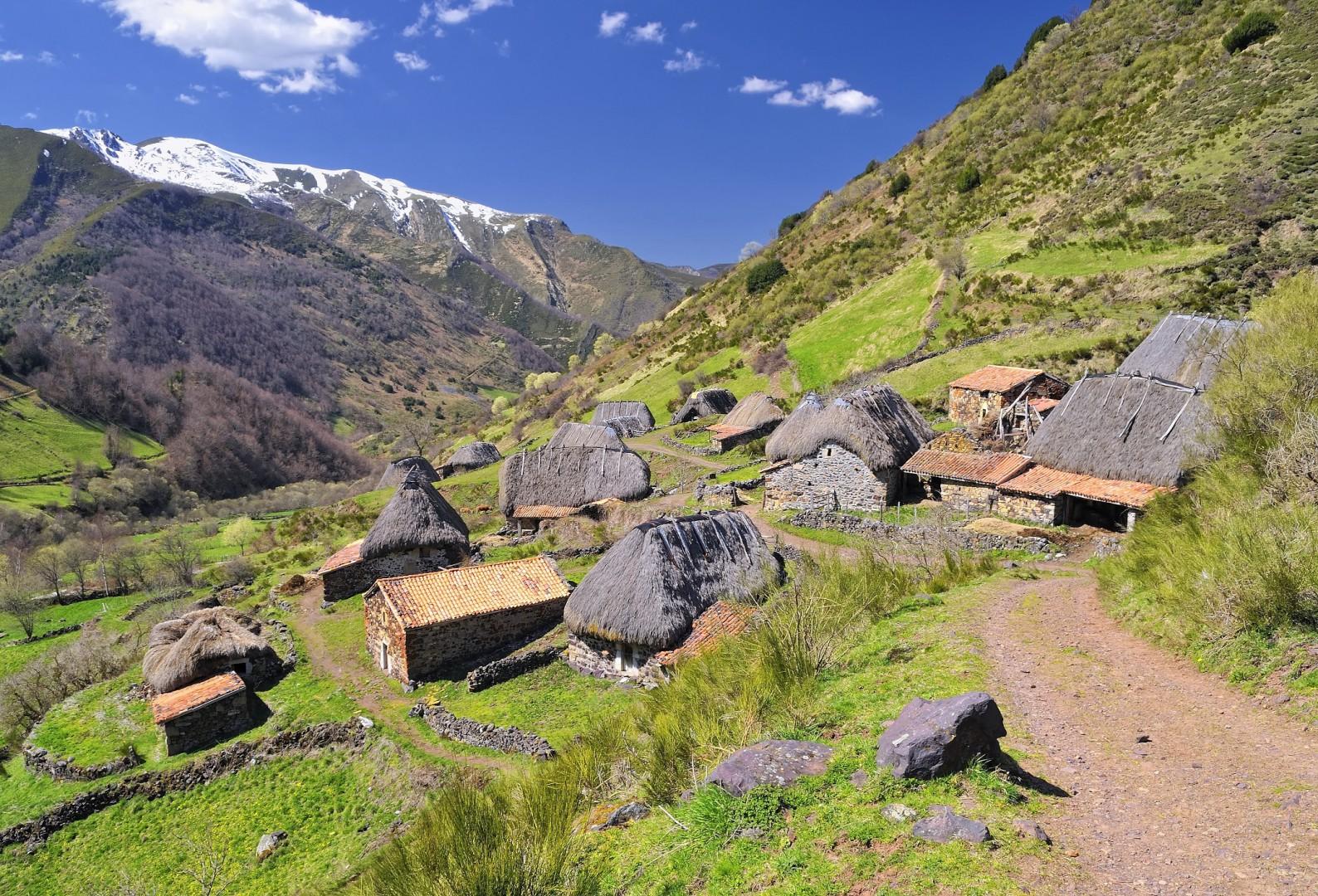 Teitos en el Valle de Somiedo.