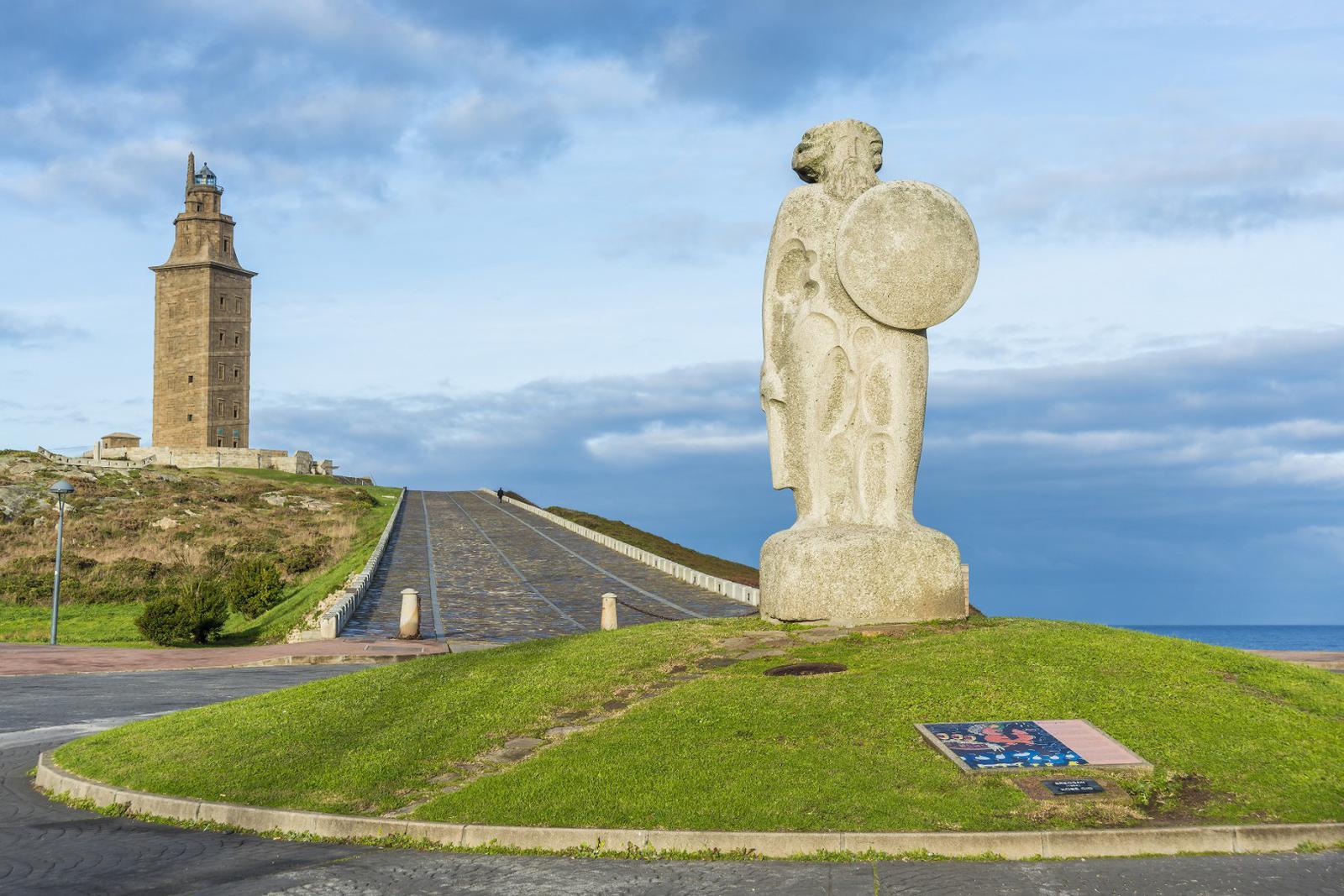 cultura celta Estatua del dios celta Breogán en A Coruña.