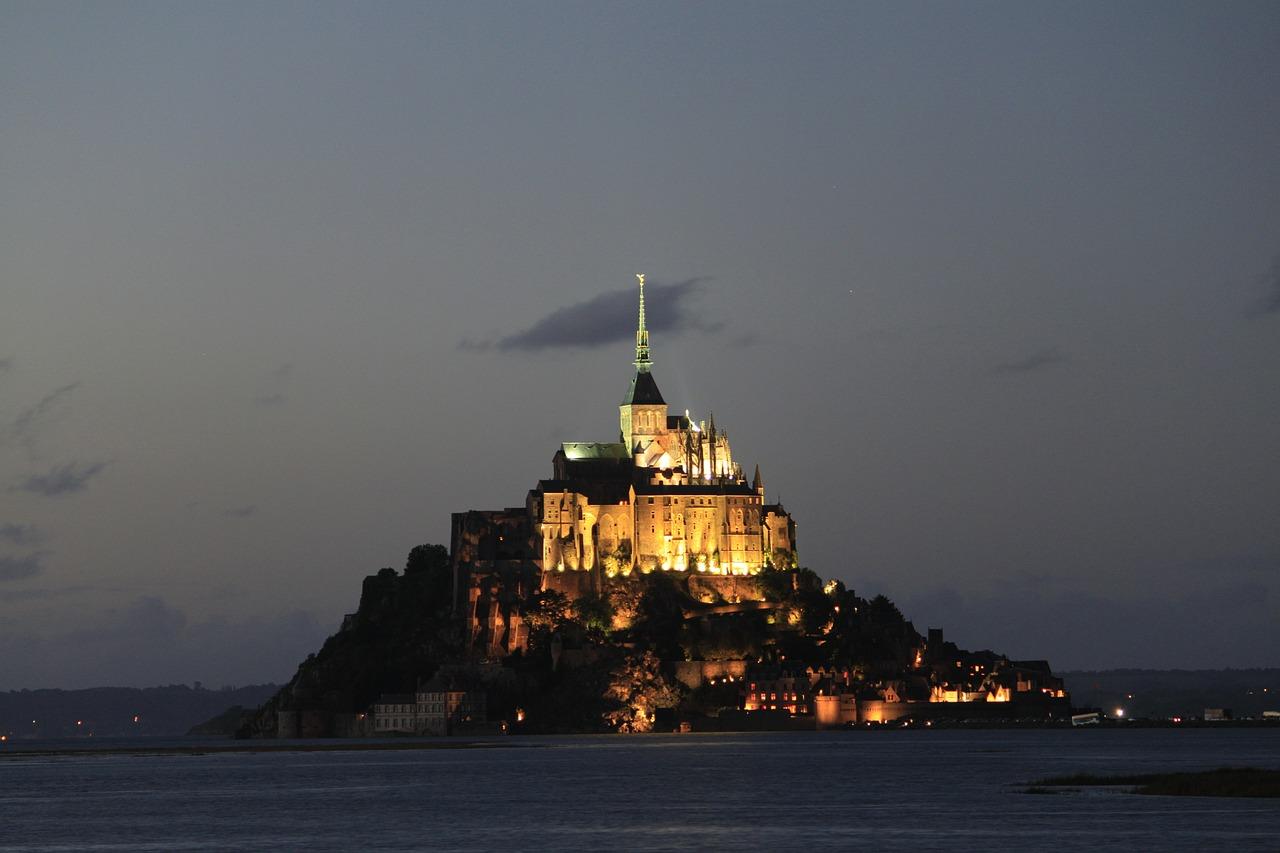 pueblos curiosos monte saint michel