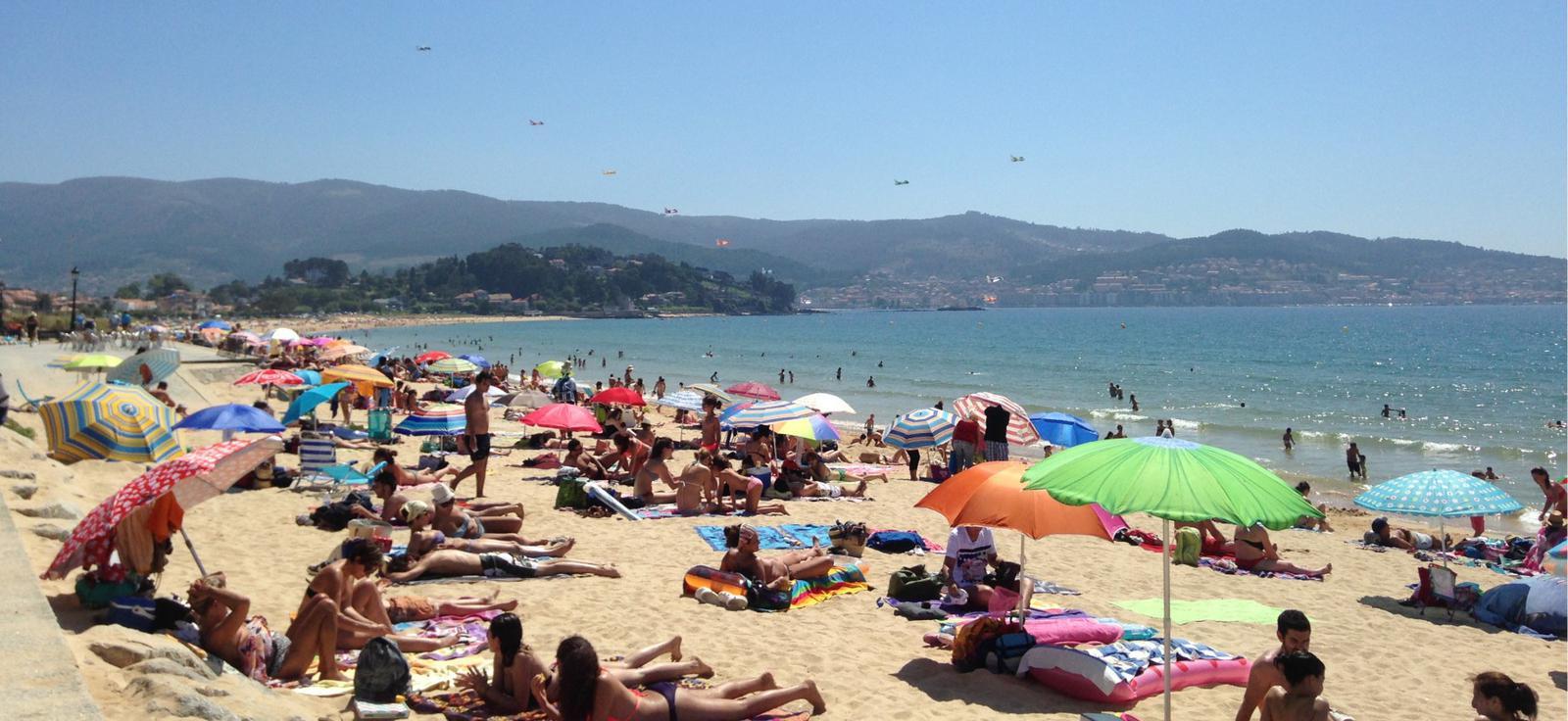 Disfrutando del sol y la playa América los días previos al festival