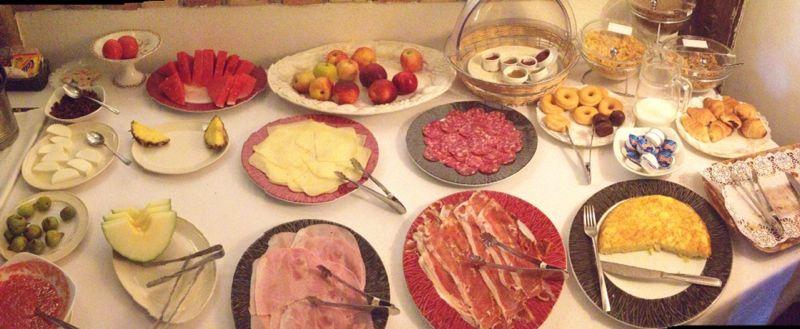 Riquísimo el buffet de desayuno, ideal para recuperar energías