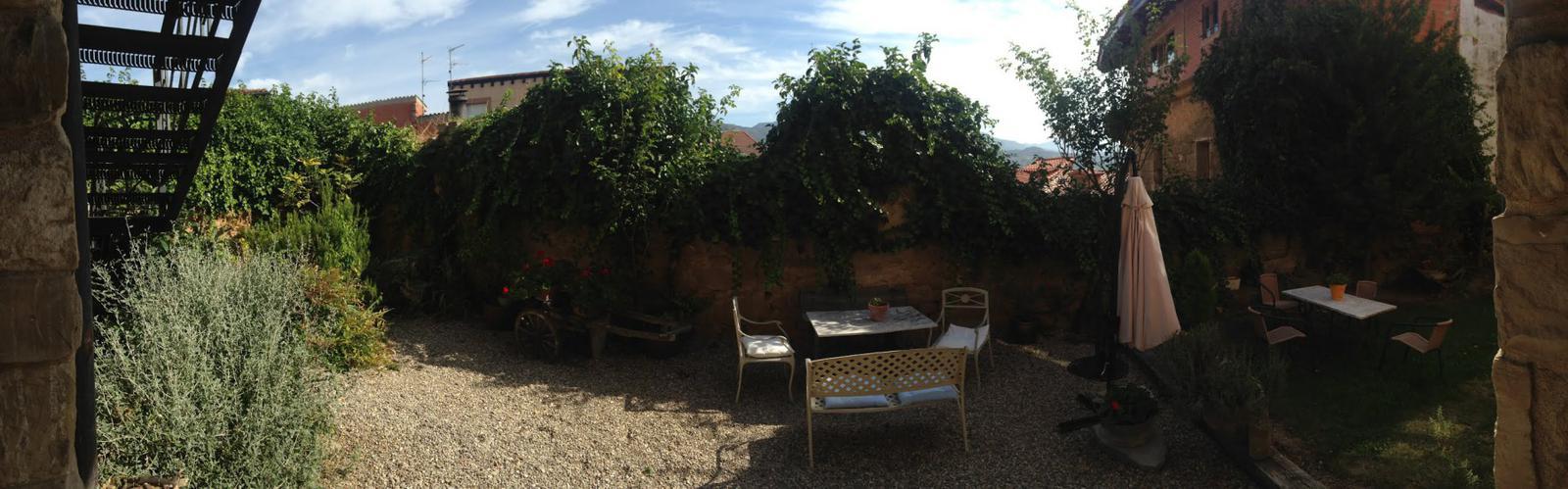El maravilloso patio interior del hotel, el sitio perfecto para descansar