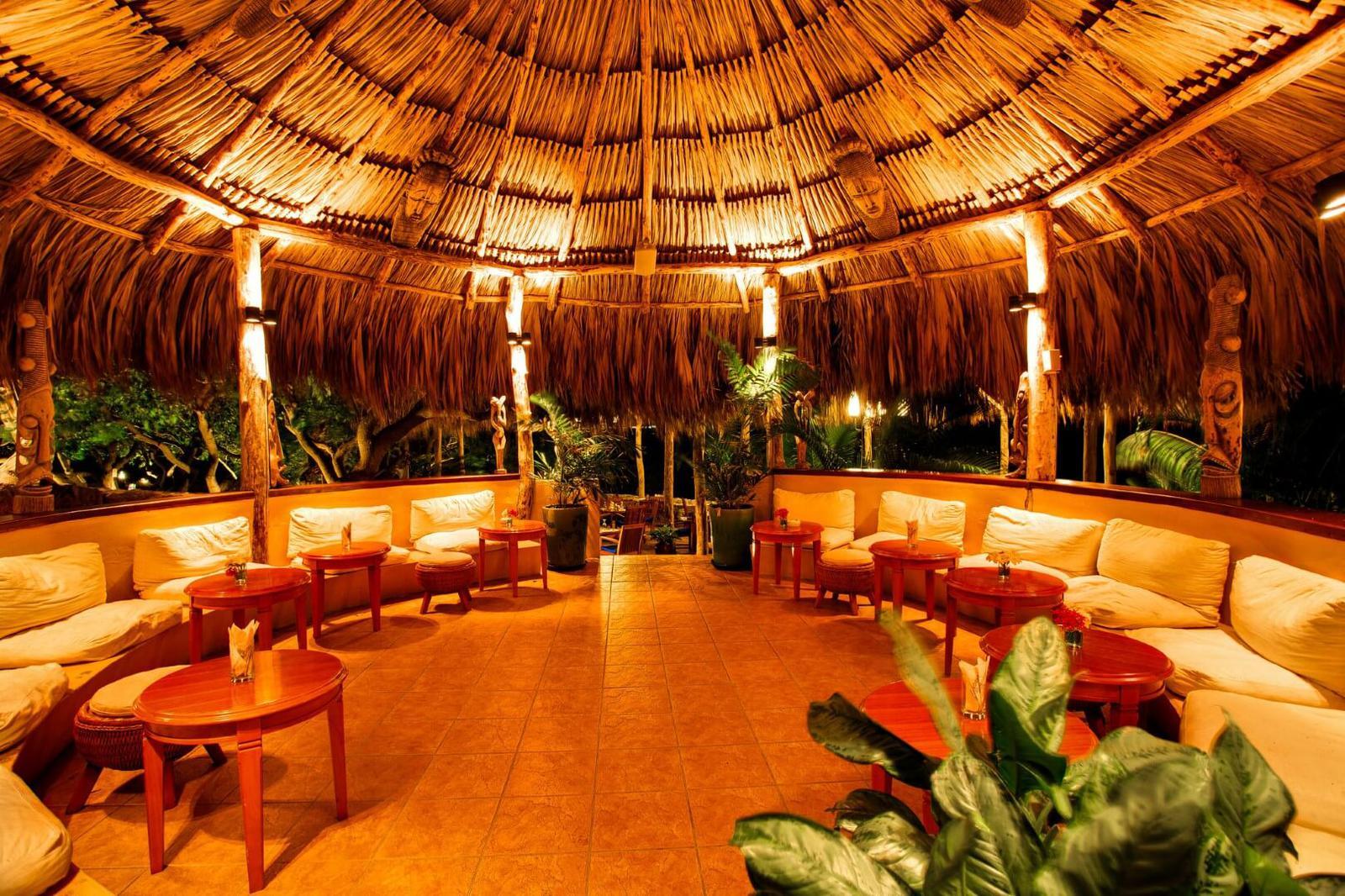 mejores hoteles con biblioteca Lodge Kura Hulanda And Beach Club