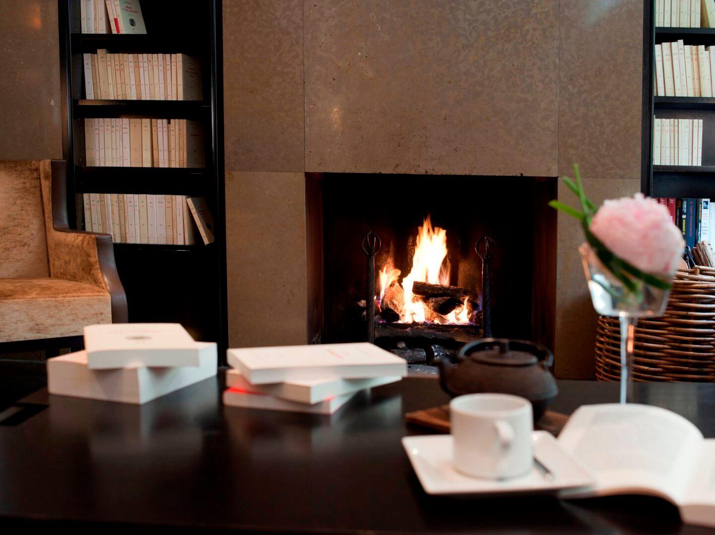 mejores hoteles con biblioteca Montalbert Paris