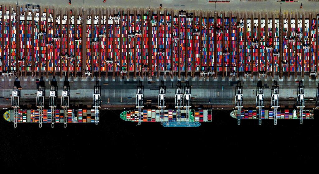 Puerto de Rotterdam, Holanda – 51.8850°N 4.2867°E