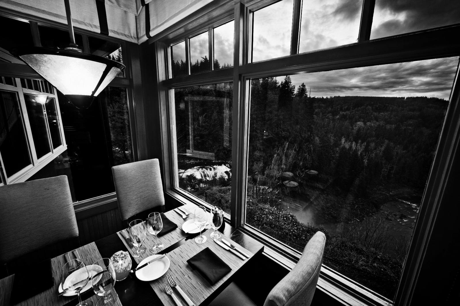 hoteles miedo Halloween Salish-Dining-Room1
