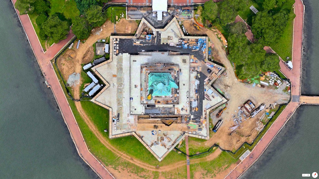 Estatua de la Libertad, Nueva York, EEUU – 40°41′21″N 74°2′40″W