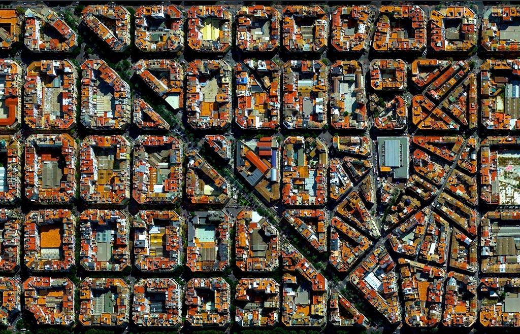 L'Eixample, Valencia, España – 39°27′53″N 0°22′12″W