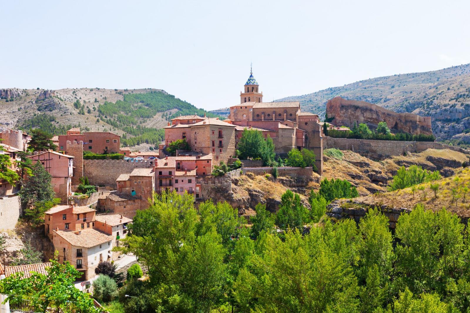 pueblos medievales General view of Albarracin