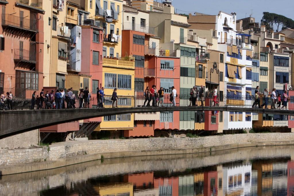 Puente sobre el río Oñar © Turismo Girona