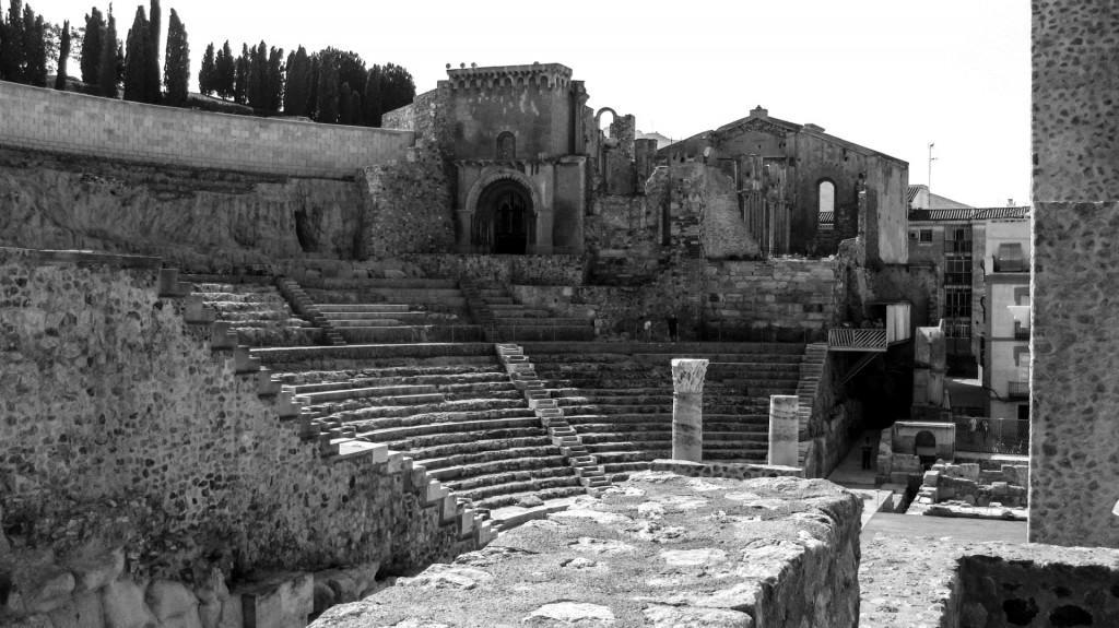 Teatro romano de Cartagena y ruinas de la antigua catedral (foto de Laura Torres Martínez)