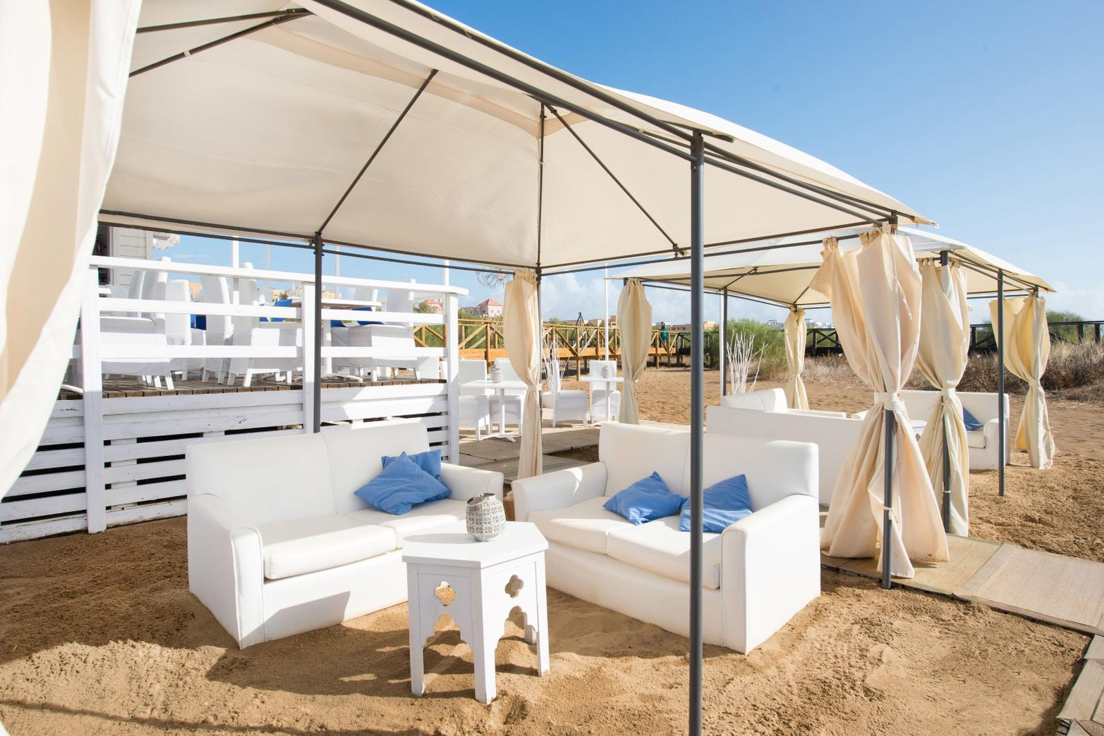 beach clubs españa iberostar sofas