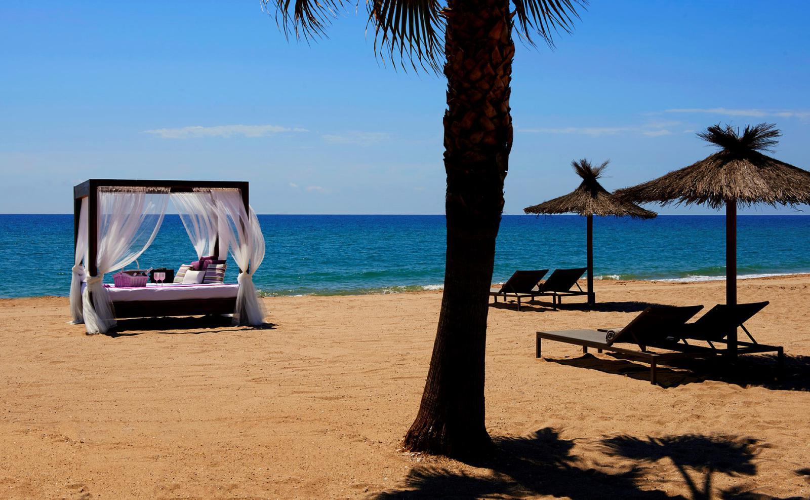 beach clubs españa meridien cama