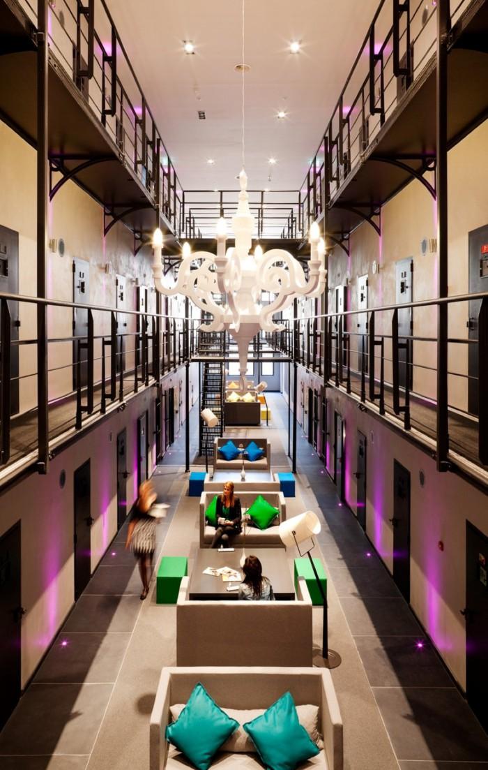 hotel prision